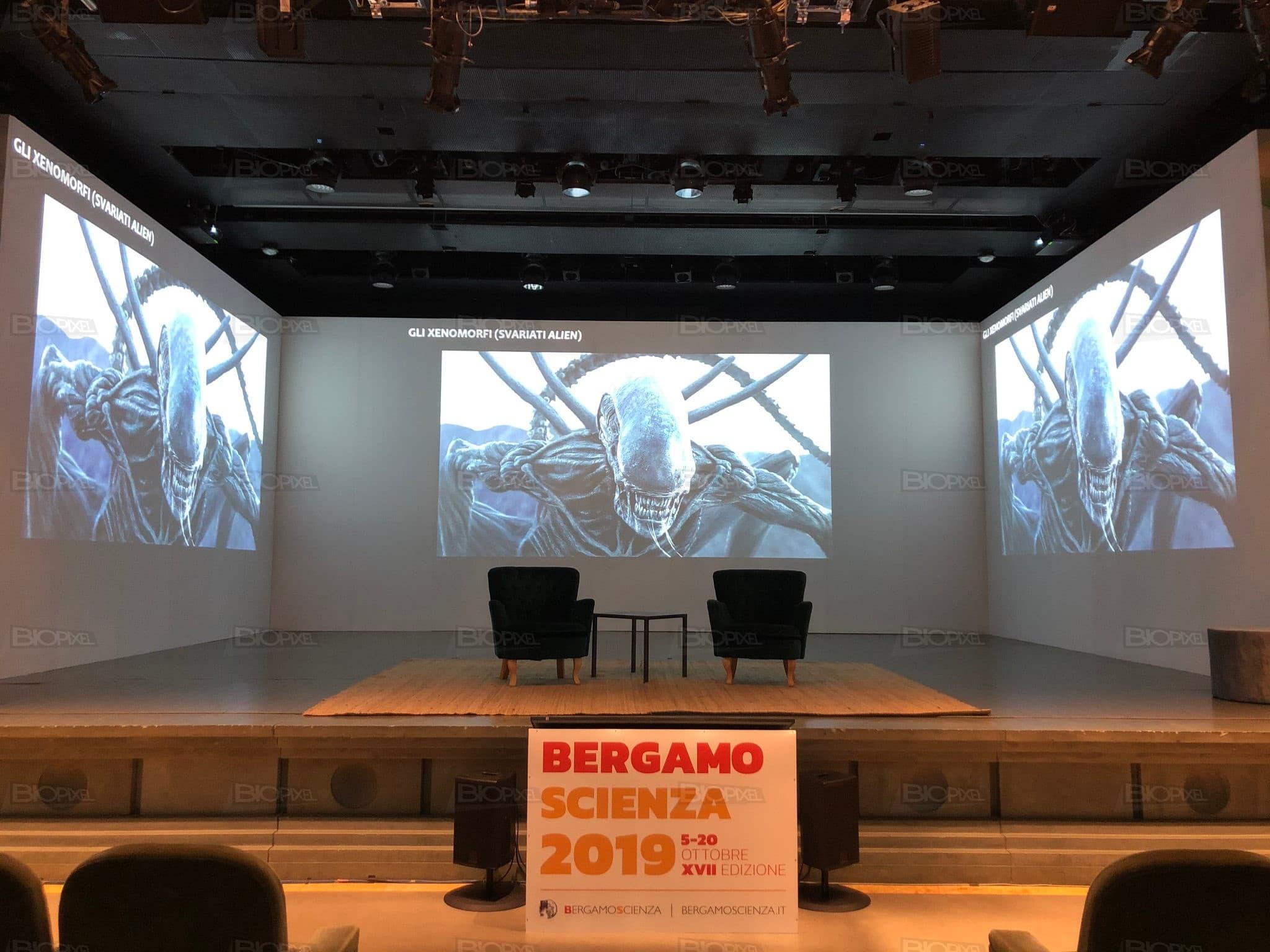 biopixel@bergamoscienza2019 videoproiezione widescreen